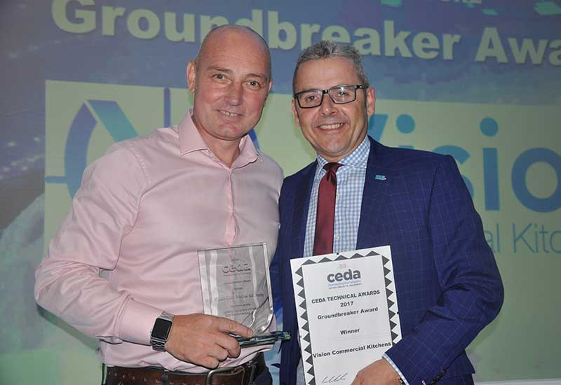 Vision MD Jack Sharkey received the Groundbreaker Award from CEDA chairman Mark Kendall.